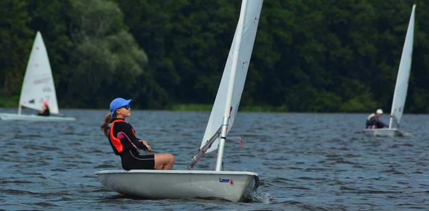 Zagle Kielce: Nikola wysoko w Mistrzostwach Warszawy w klasie Laser 4.7